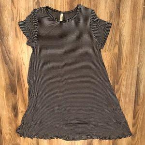 NWOT Elan Black/White T-shirt Dress 1X